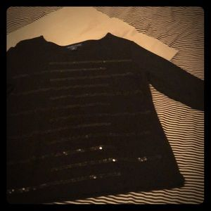 3/4 sleeve black cotton with black sequoia shirt.